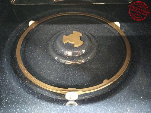 Kuchenka mikrofalowa z grillem SAMSUNG MG23F302TAK